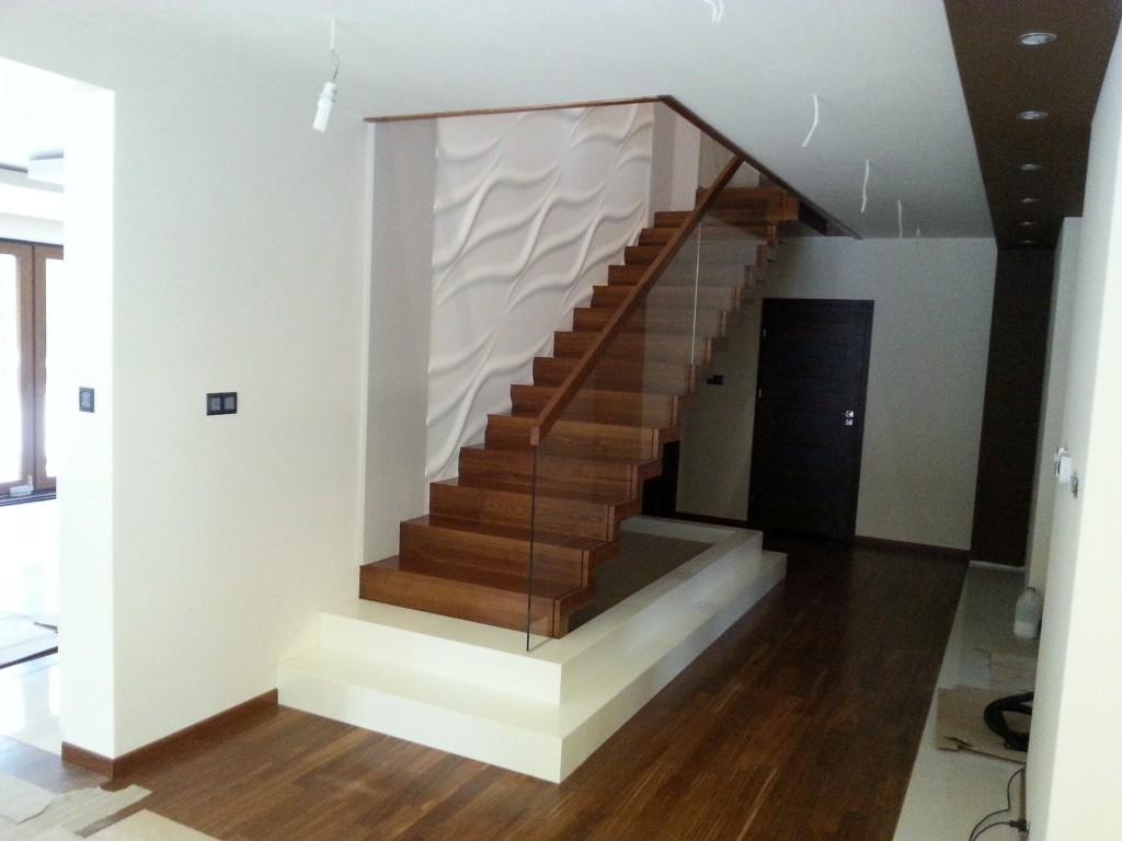 wir haben ihre neue treppe zum besten preis f r ihr haus. Black Bedroom Furniture Sets. Home Design Ideas